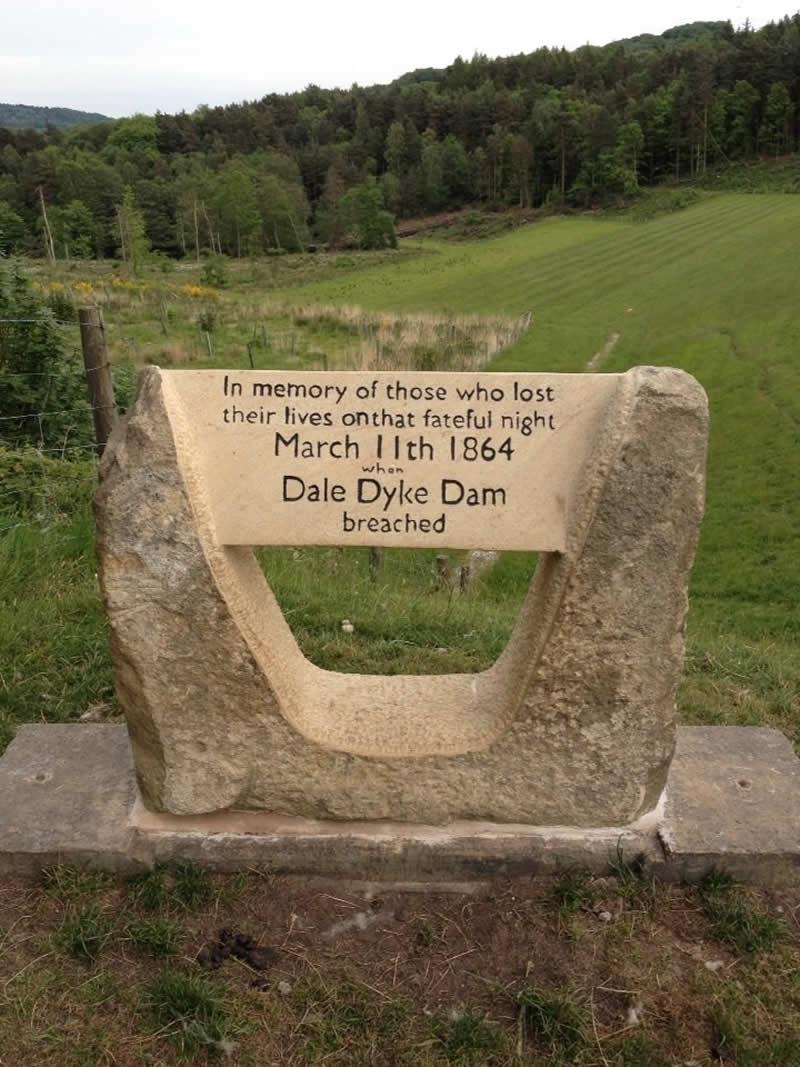 Dale Dyke Dam Memorial