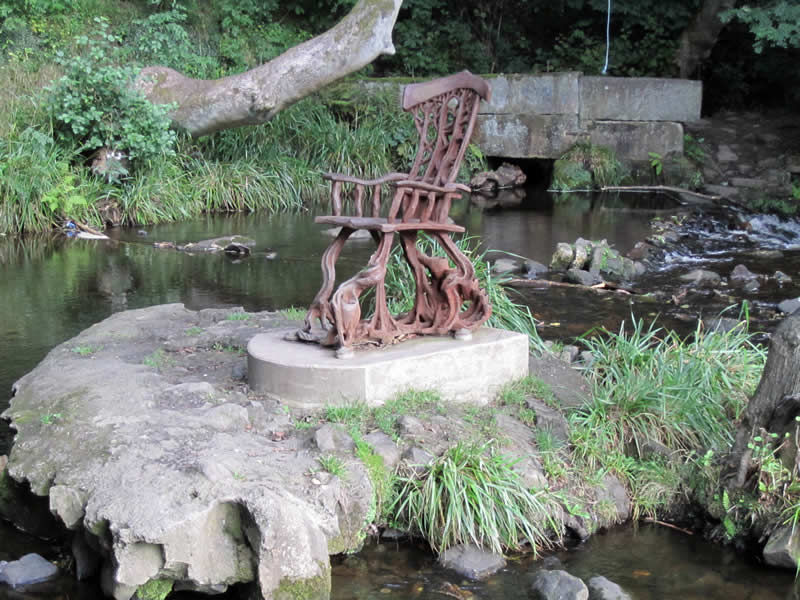 The Rivelin Chair sculpture by Jason Thomson. Photo by Sue Shaw, RVCG, 2013.